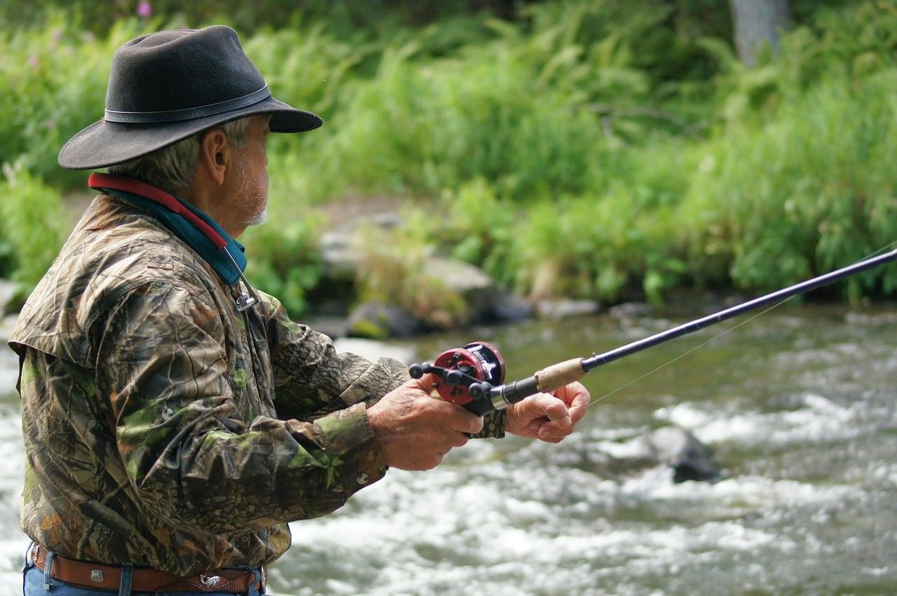 fisherman-585707_1280